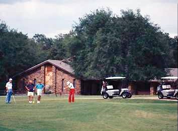 Play Golf Year Around in Central Texas